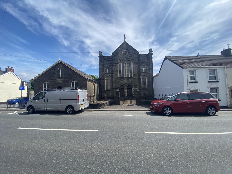 Clydach Road, Ynystawe, Swansea, SA6 5AY
